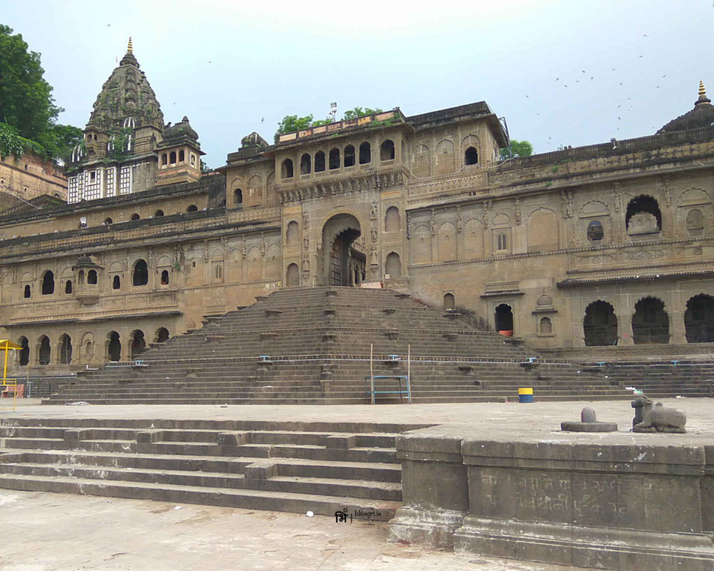 Maheshwar temple and fortifications from the Narmada ghats