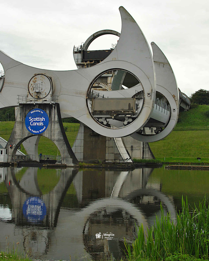 Falkirk Wheel: A modern engineering marvel